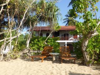 Villa Sunrise direkt am Meer, 3 Zimmer, 7 Personen