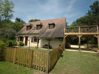 Vine Cottage (ground floor) and Grape Cottage (first floor)