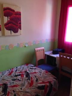 Habitacion con cama individual