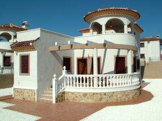 3 Bed 2 Bath Det Villa A/C-TV, Free WiFi and Phone, La Marina