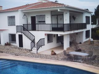 Villa and pool.  Stunning villa in San Jaime.  Minutes from Moraira and beaches.