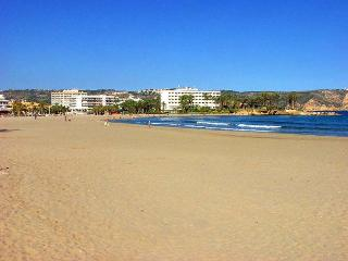 Sharonade, 3 bedroom villa with outside Spa. Arenal Javea.wlk to beach. AC