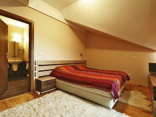 Eagles Nest Penthouse, Bansko