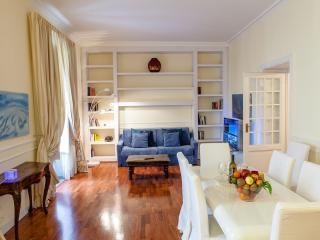 Cavour prestigious apartment, Roma