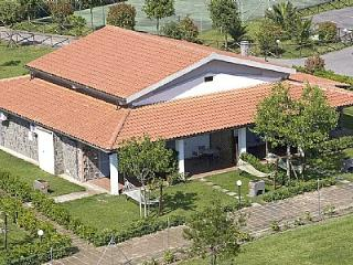 1 bedroom Villa with Pool, Air Con and Walk to Shops - 5228888