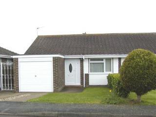 2 bedroom semi detached bungalow in Frinton-on Sea - sleeps 6