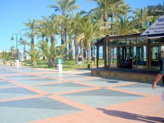 GREAT STUDIO APT, COASTAL VILLAGE, NR TORREMOLINOS, Torremolinos