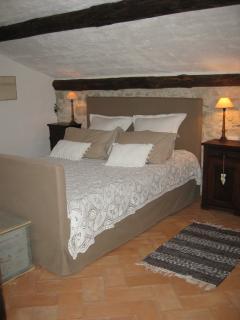 double bed room-bathroom en suite