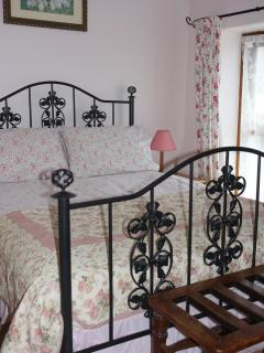 Upstairs double room,wake to the sound of the birds and check out the views.