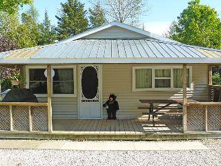 The Relax Shack cottage (#740), Sauble Beach
