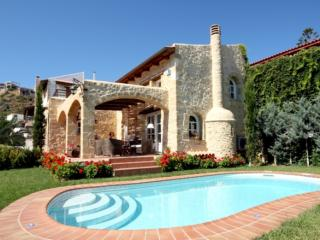 Rock House Villa Melody Platanias, Chania - Crete - Greece
