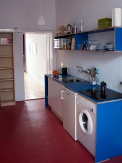 completely equiped kitchen