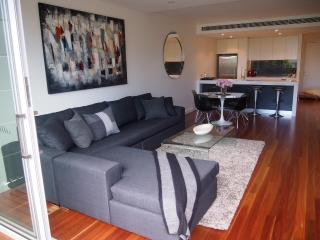 GLOVE -  One Bedroom in Brand New Building, Mosman