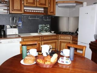 Appartement calme Bayeux centre historique, 4 personnes 2 chambres cuisine SDB