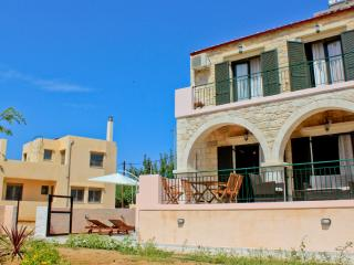 Fantasia Villa 200m from Beach, Chania, La Canea