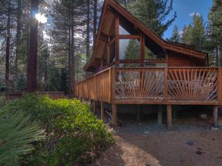 Beautiful Allen Avenue Chalet Sleeps 9 in Incline Village ~ RA3523