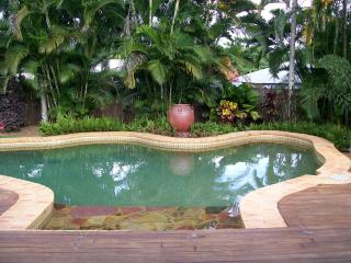 Adreil House with own private swimmimg pool, Trinity Beach