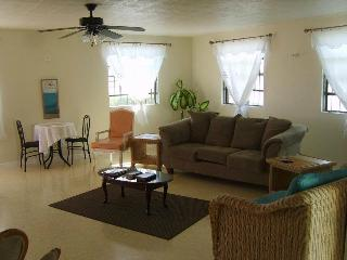 Air conditioned  3 Bed near a beach & Oistins
