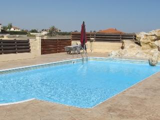 2 bedroom flat in Pervolia