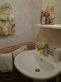 dettaglio bagno camera matrimoniale