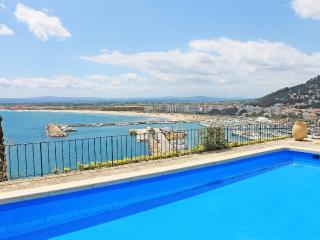 Villa with pool and panoramic view over L'Estartit