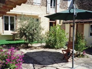 Joli-Garden Bed & Breakfast, Belesta
