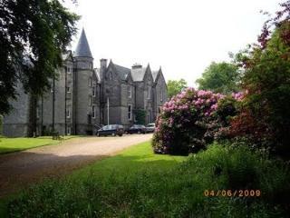 Stravithie Castle studio apt., St. Andrews