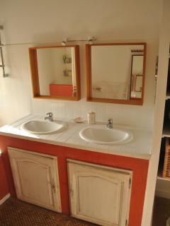 salle de bain dans la partie des figuiers