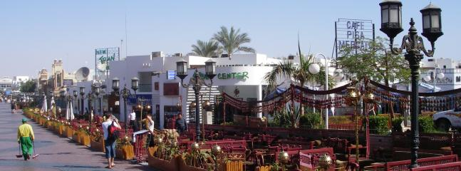 shopping and nightlife in naama bay