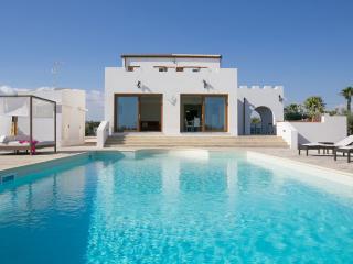 Villa Farfalla, Stunning Pool Villa Near Beach, Marinella di Selinunte