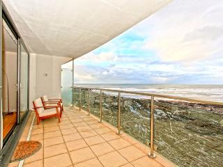 Magnificent panoramic views from the private balcony