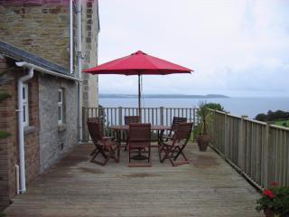Seaside Holiday Cottage - Beach, Sea-views, Peaceful Location