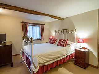 acanthus double bedroom