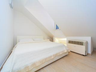 Revelin Bedroom
