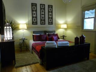 Brentwood House King Suite