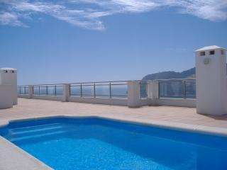 La Herradura, 3 bedroom apartment with breathtaking sea and mountain views