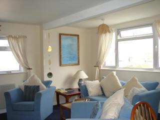 Lounge/dining area at Casa Sirena