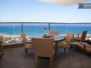 Haifa Holiday Room Close to the Beach, Costa del Carmelo (Hof HaCarmel)