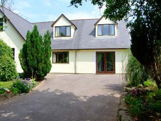 TY MAEN, private lawned garden with furniture, close to pub, great base for tour