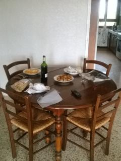 table ronde provençale, 6 places