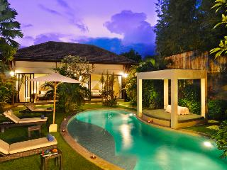 Stlish 2 bedroom, Oberoi, Villa alice 2, Seminyak