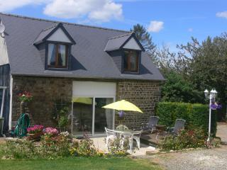 Le Jardin, Cottage with pool nr Mont Saint Michel