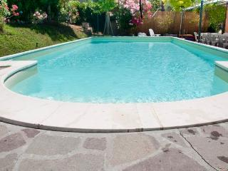 6 bedroom Tuscan villa in Sante Luce with giant pool, private pool and bicycles available, Santa Luce