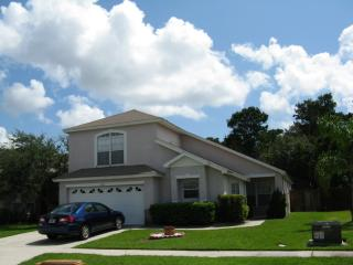 PJ Sunshine Villa with secluded private pool, Kissimmee