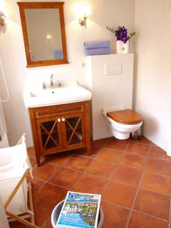 Bathroom clean and fresh