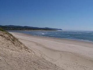 A Shore Thing ~ RA5755, Waldport