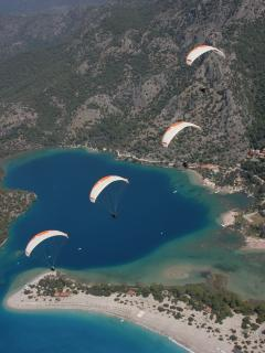 Paraglide to the beach from Babadag mountain