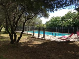 Maison de Maitre with Pool in Pouzolles, Languedoc