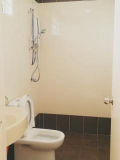 Both bathrooms equipped with water heater