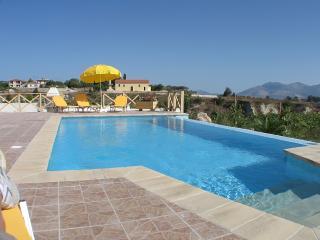 Villa Karavaki 3 bedroom, 3 bathroom with pool